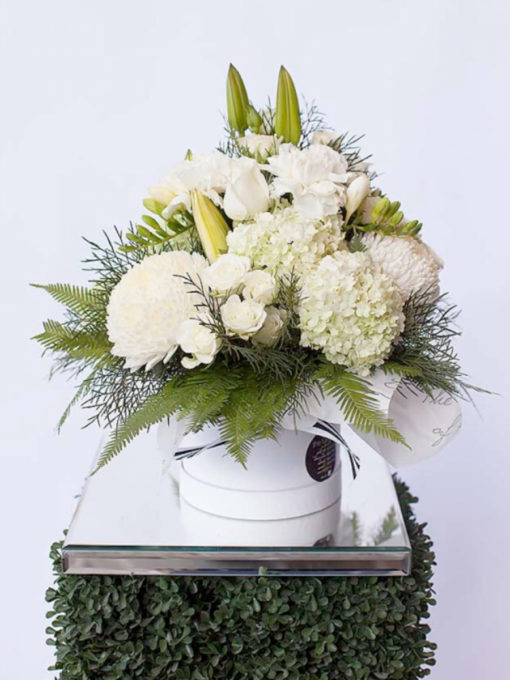 white-cluster-the-lush-lily-brisbane-florist-flower-delivery