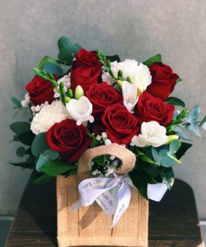 lexie-flower-arrangement-brisabne-flower-delivery-lush-lily